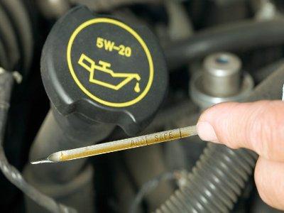 через какой пробег менять моторное масло в двигателе